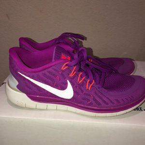 Nike Free 5.0 - Size 7.5